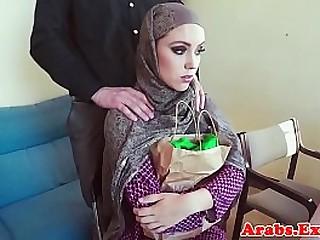 Muslim amateur fucks for cash and tastes jizz